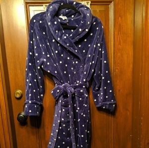 Bathrobe purple with white dots